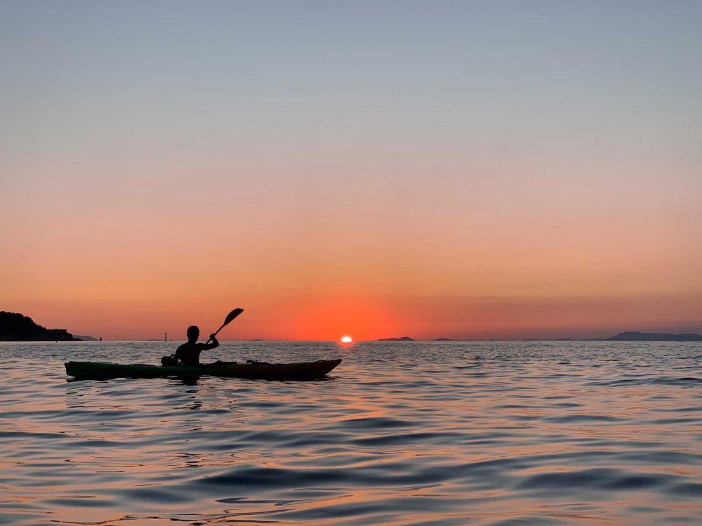 Sunset and Bagni della Regina Giovanna kayak tour